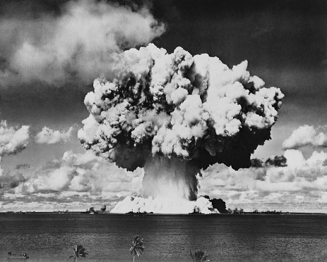 Nuclear Fallout「Nuclear Bomb Explosion, Baker Day Test, Bikini, 25th July 1946」:スマホ壁紙(14)