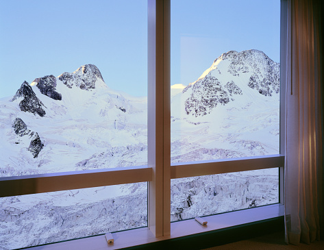 Digital Composite「Room with majestic mountain glacier view」:スマホ壁紙(17)
