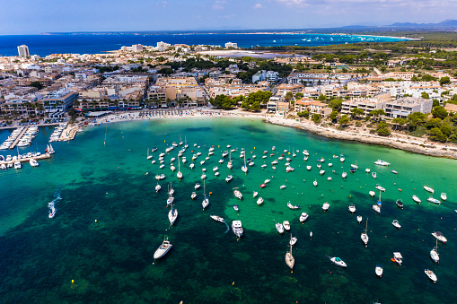 Cabrera Island「Spain, Balearic Islands, Colonia de Sant Jordi, Aerial view of large number of boats floating in water near shore of coastal town」:スマホ壁紙(14)