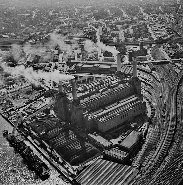 Water's Edge「Battersea Power Station」:写真・画像(0)[壁紙.com]