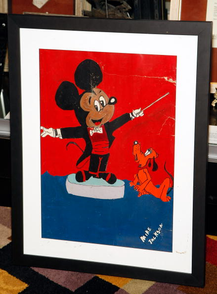 Mickey Mouse「Michael Jackson Dies In Los Angeles At Age 50」:写真・画像(6)[壁紙.com]