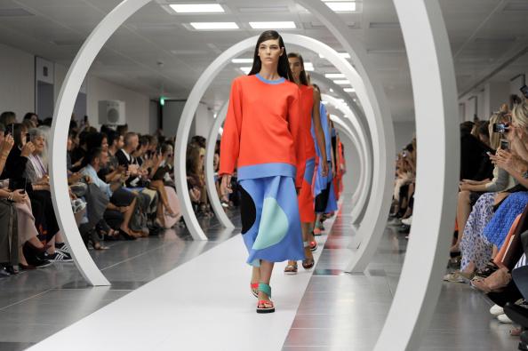 Stuart C「Roksanda Ilincic: Runway - London Fashion Week SS15」:写真・画像(3)[壁紙.com]