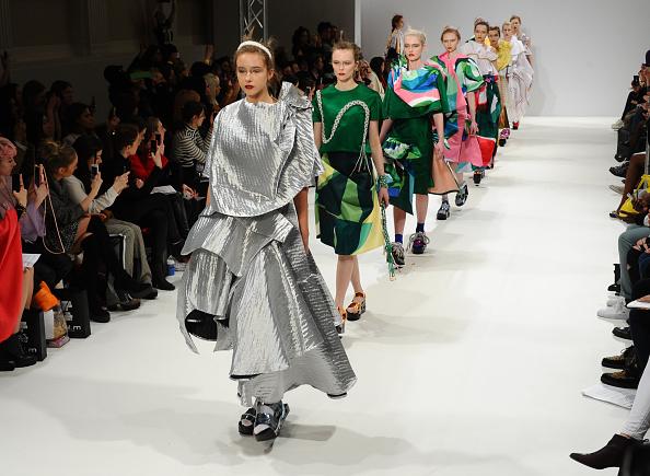 ロンドンファッションウィーク「Minnan Hui - Runway - LFW FW15」:写真・画像(14)[壁紙.com]