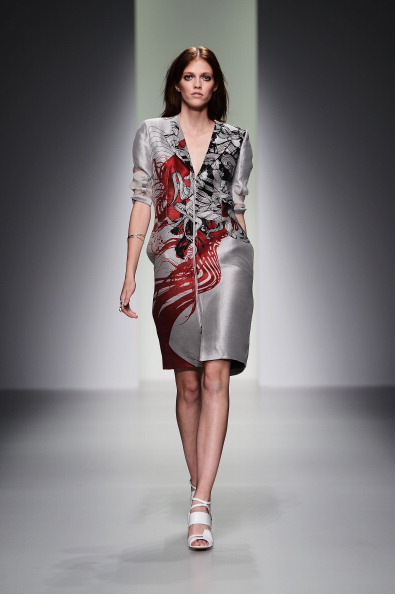 Silver Dress「Jean-Pierre Braganza - Runway: London Fashion Week SS14」:写真・画像(7)[壁紙.com]
