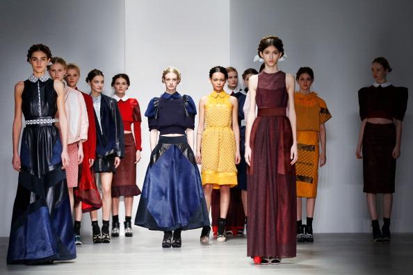 ロンドンファッションウィーク「Bora Aksu: Runway - London Fashion Week AW14」:写真・画像(12)[壁紙.com]