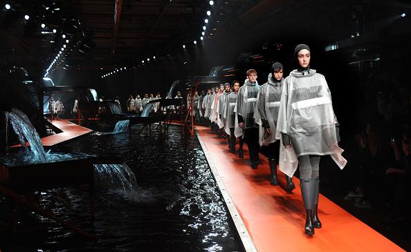 ロンドンファッションウィーク「Hunter Original - Runway - LFW FW15」:写真・画像(6)[壁紙.com]