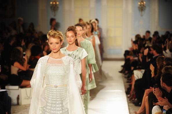 Stuart C「Temperley London - Runway: London Fashion Week SS14」:写真・画像(16)[壁紙.com]