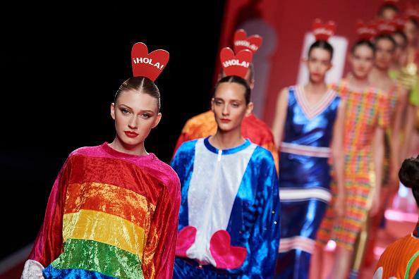 Mercedes Benz Madrid Fashion Week「Agatha Ruiz De La Prada - Catwalk - Mercedes Benz Fashion Week Madrid Spring/Summer 2020」:写真・画像(1)[壁紙.com]
