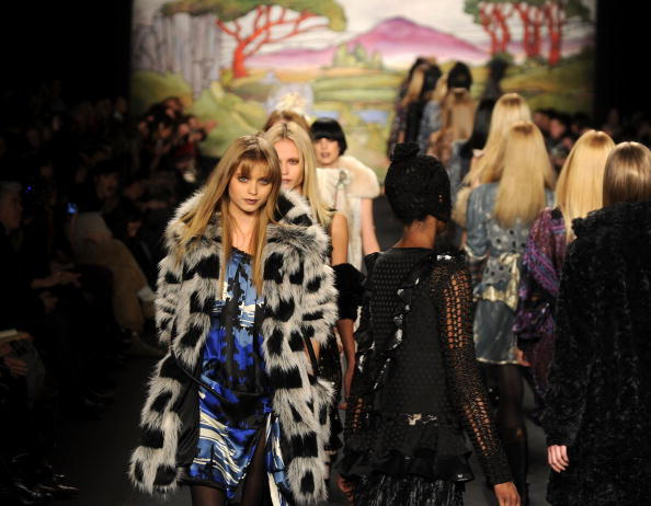 Autumn Fashion Collection「Anna Sui - Runway - Fall 2010 MBFW」:写真・画像(19)[壁紙.com]
