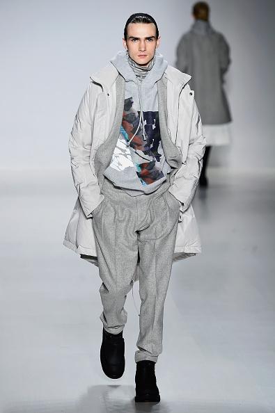 The Salon - Lincoln Center「Richard Chai - Runway - Mercedes-Benz Fashion Week Fall 2015」:写真・画像(0)[壁紙.com]
