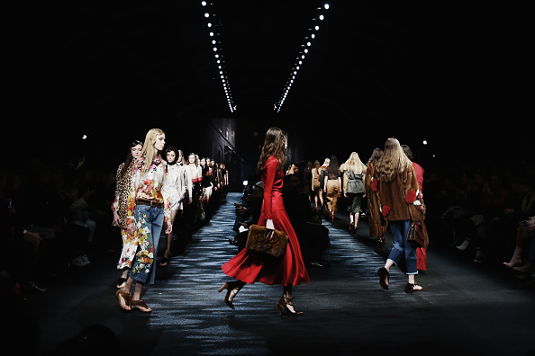 Fashion Week「Blumarine Alternative Views - Milan Fashion Week Fall/Winter 2016/17」:写真・画像(6)[壁紙.com]