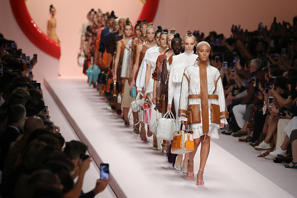Milan「Fendi - Runway - Milan Fashion Week Spring/Summer 2019」:写真・画像(8)[壁紙.com]