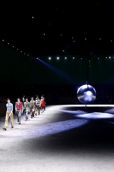 Catwalk - Stage「Gucci - Runway - Milan Men's Fashion Week Fall/Winter 2020/2021」:写真・画像(10)[壁紙.com]