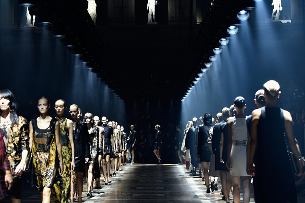 ランウェイ「Lanvin : Runway - Paris Fashion Week Womenswear Spring/Summer 2015」:写真・画像(18)[壁紙.com]