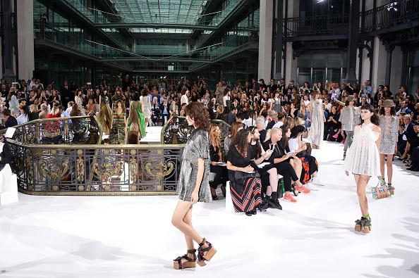 Francois Durand「John Galliano : Runway - Paris Fashion Week Womenswear Spring/Summer 2015」:写真・画像(15)[壁紙.com]