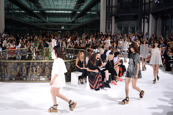 Francois Durand「John Galliano : Runway - Paris Fashion Week Womenswear Spring/Summer 2015」:写真・画像(16)[壁紙.com]