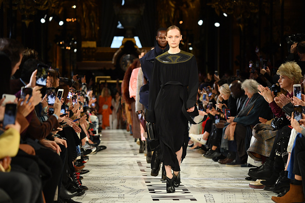 Womenswear「Stella McCartney : Runway - Paris Fashion Week Womenswear Fall/Winter 2019/2020」:写真・画像(7)[壁紙.com]