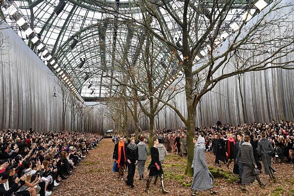 Image「Chanel : Runway - Paris Fashion Week Womenswear Fall/Winter 2018/2019」:写真・画像(14)[壁紙.com]