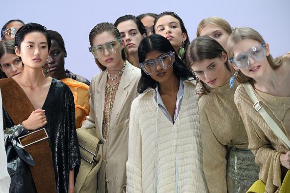 Spring Summer Collection「Acne Studios : Runway - Paris Fashion Week - Womenswear Spring Summer 2021」:写真・画像(12)[壁紙.com]