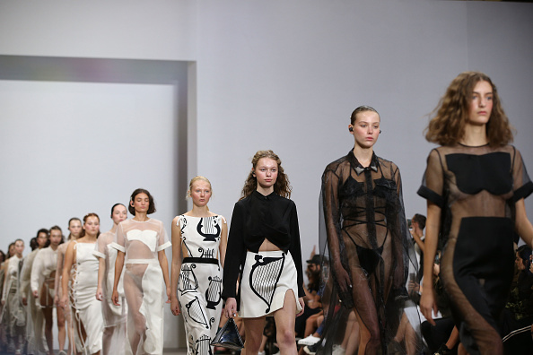 Australian Fashion Week「Karla Spetic - Runway - Mercedes-Benz Fashion Week Australia 2019」:写真・画像(19)[壁紙.com]
