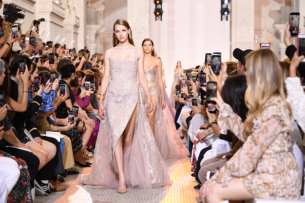 Paris Haute Couture Fashion Week「Elie Saab : Runway - Paris Fashion Week - Haute Couture Fall Winter 2018/2019」:写真・画像(16)[壁紙.com]