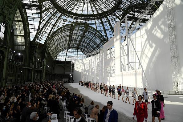 Fashion show「Chanel : Runway - Paris Fashion Week - Womenswear Spring Summer 2021」:写真・画像(1)[壁紙.com]