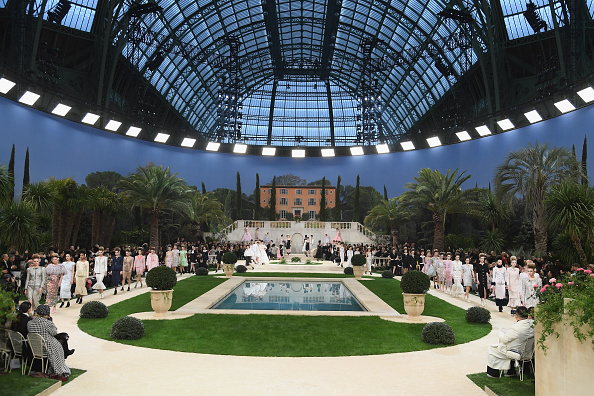 Fashion Collection「Chanel : Runway - Paris Fashion Week - Haute Couture Spring Summer 2019」:写真・画像(9)[壁紙.com]