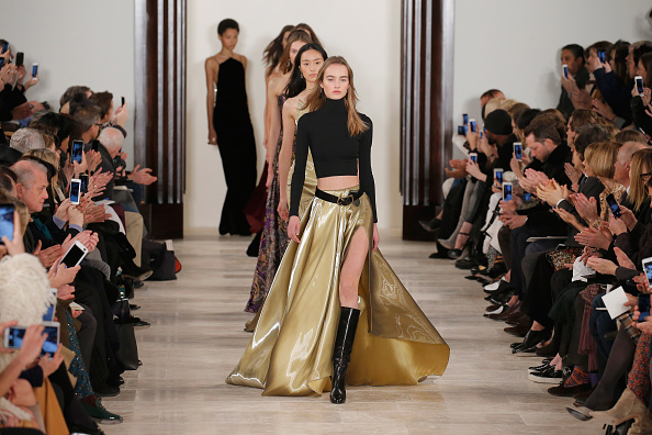 ランウェイ「Ralph Lauren - Runway - Fall 2016 New York Fashion Week: The Shows」:写真・画像(13)[壁紙.com]