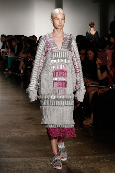 Gray Dress「Parsons MFA - Presentation - MADE Fashion Week Spring 2015」:写真・画像(3)[壁紙.com]