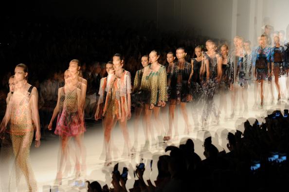 ランウェイ・ステージ「Mercedes-Benz Fashion Week Spring 2015 - Alternative Views」:写真・画像(13)[壁紙.com]