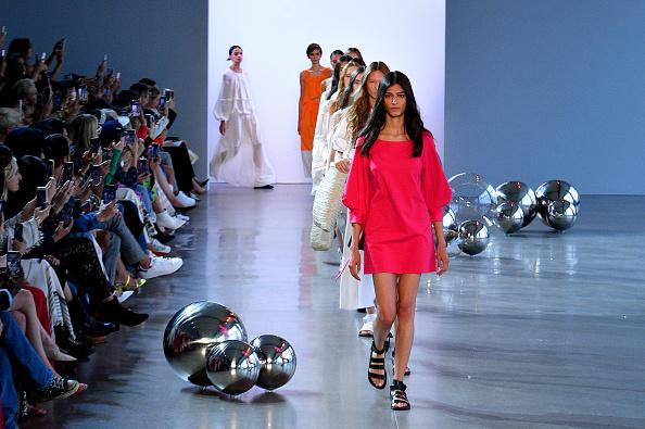 Noon by Noor「Noon By Noor - Runway - September 2019 - New York Fashion Week: The Shows」:写真・画像(1)[壁紙.com]
