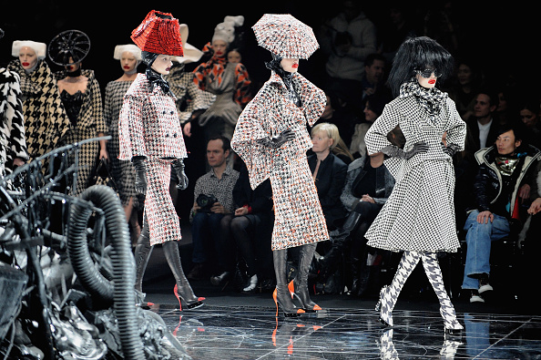 Alexander McQueen - Designer Label「Alexander McQueen: Paris Fashion Week Ready-to-Wear A/W 09」:写真・画像(9)[壁紙.com]
