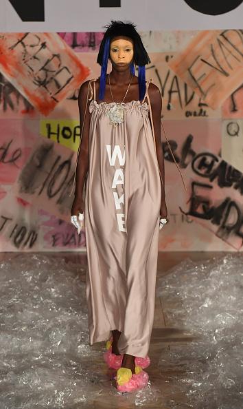 London Fashion Week「Vin + Omi - Runway」:写真・画像(1)[壁紙.com]