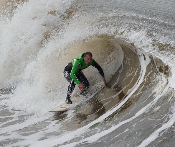 Carl Frampton「Surfing on the North East coast of Britain」:写真・画像(6)[壁紙.com]