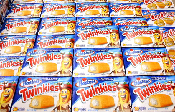 Unhealthy Eating「Last Shipment Of Hostess Twinkies Arrives In Chicago Area Stores」:写真・画像(16)[壁紙.com]