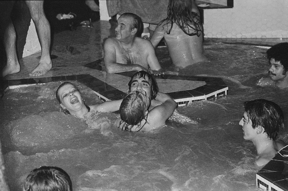 1970-1979「Keith Moon at a Pool Party」:写真・画像(19)[壁紙.com]