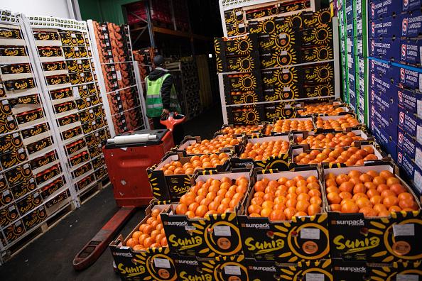 Orange - Fruit「Trading At UK's Largest Vegetable Market As Bad Weather Blamed For Shortages」:写真・画像(14)[壁紙.com]