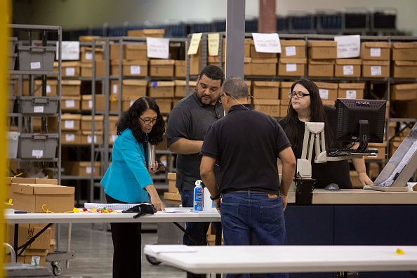 Machinery「Midterm Election Ballots Still Being Counted In Palm Beach County, Florida」:写真・画像(13)[壁紙.com]