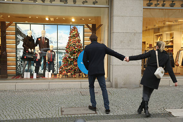 Stores Stay Open For Sunday Shopping Before Christmas:ニュース(壁紙.com)