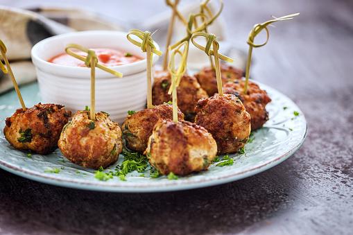 Appetizer「Freshly Fried Meatballs」:スマホ壁紙(10)