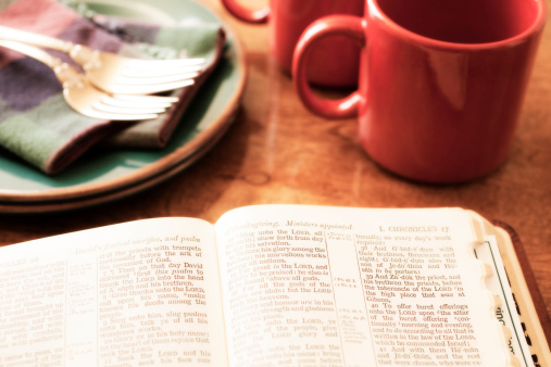 Spirituality「Open Bible and morning coffee on breakfast table.」:スマホ壁紙(12)