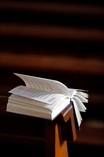 Bible「Open bible  in a church.」:スマホ壁紙(18)