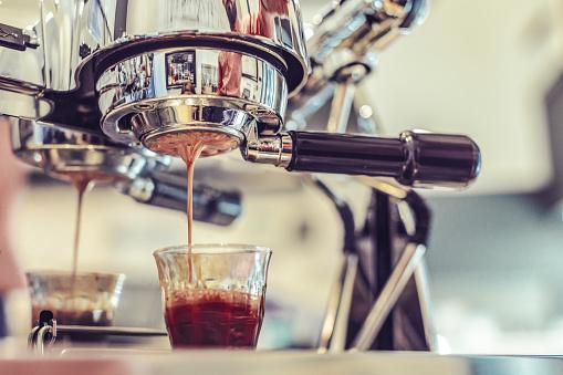 Coffee Break「Espresso machine is making a coffee」:スマホ壁紙(12)