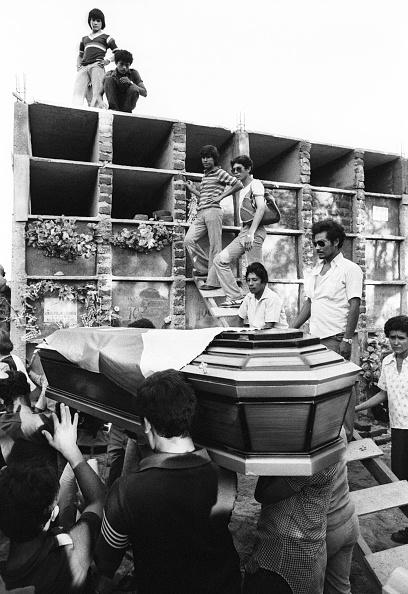 Alex Bowie「Burial of BPR Militant」:写真・画像(10)[壁紙.com]