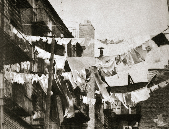 Apartment「Wash Day At Some New York Tenement Buildings USA Early 1930s」:写真・画像(13)[壁紙.com]