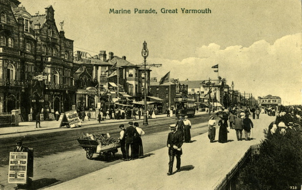 Coastline「Marine Parade, Great Yarmouth」:写真・画像(13)[壁紙.com]