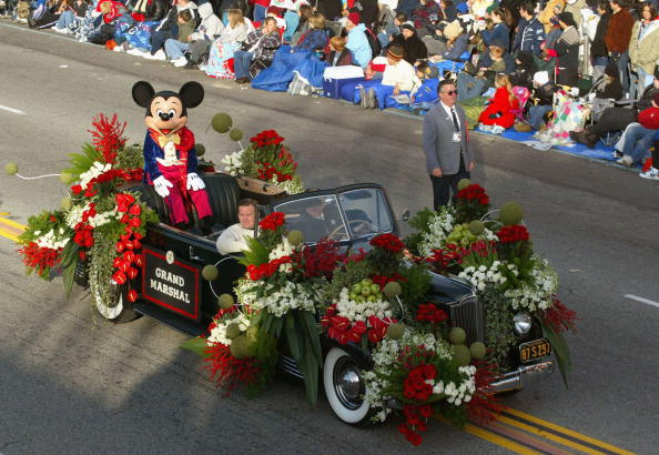 Mickey Mouse「116th Tournament Of Roses Parade」:写真・画像(10)[壁紙.com]