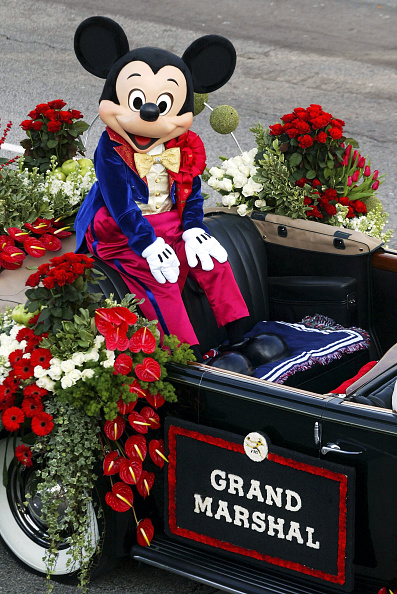 Mickey Mouse「116th Tournament Of Roses Parade」:写真・画像(1)[壁紙.com]