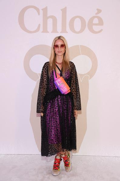 Monogram「Chloe : Front Row - Paris Fashion Week Womenswear Fall/Winter 2019/2020」:写真・画像(8)[壁紙.com]