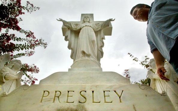 Grave「Elvis Week In Memphis」:写真・画像(10)[壁紙.com]